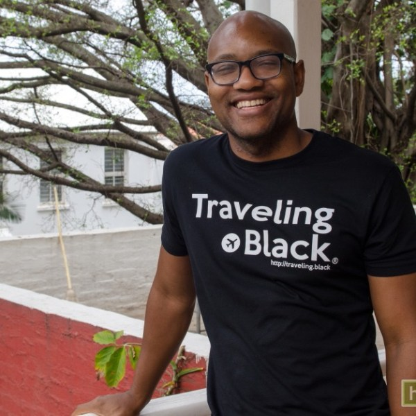 traveling black-classic t-shirt