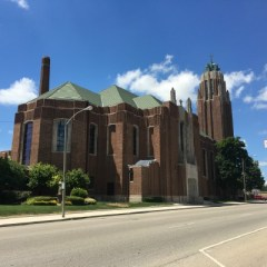 Art Deco Church takes eyes heavenward