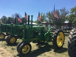 The National John Deere Model G Reunion a tractor meet and greet