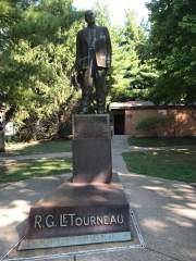 Glimpse of a statue, R.G. LeTourneau's legacy - picture by Janna Seiz