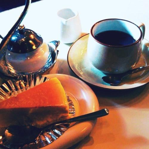 チーズケーキのチロル、盛岡大通りの喫茶店!
