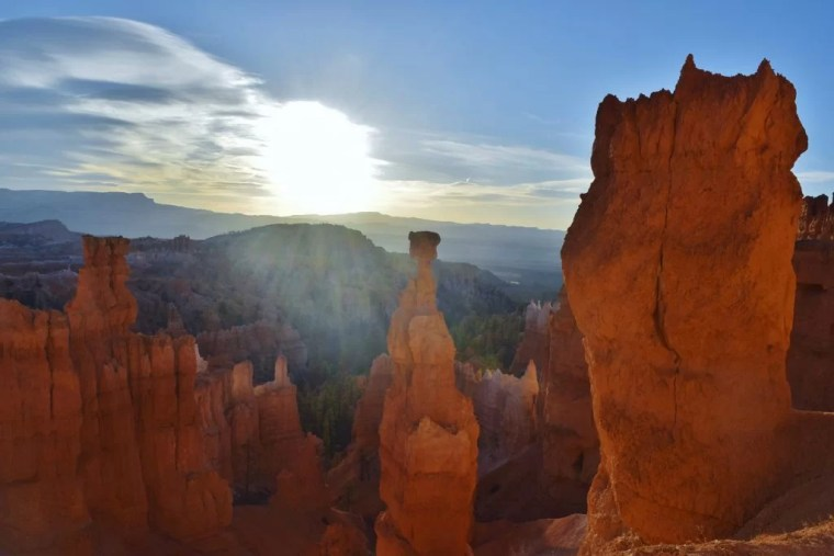 Thor's Hammer right after sunrise in Bryce Canyon.