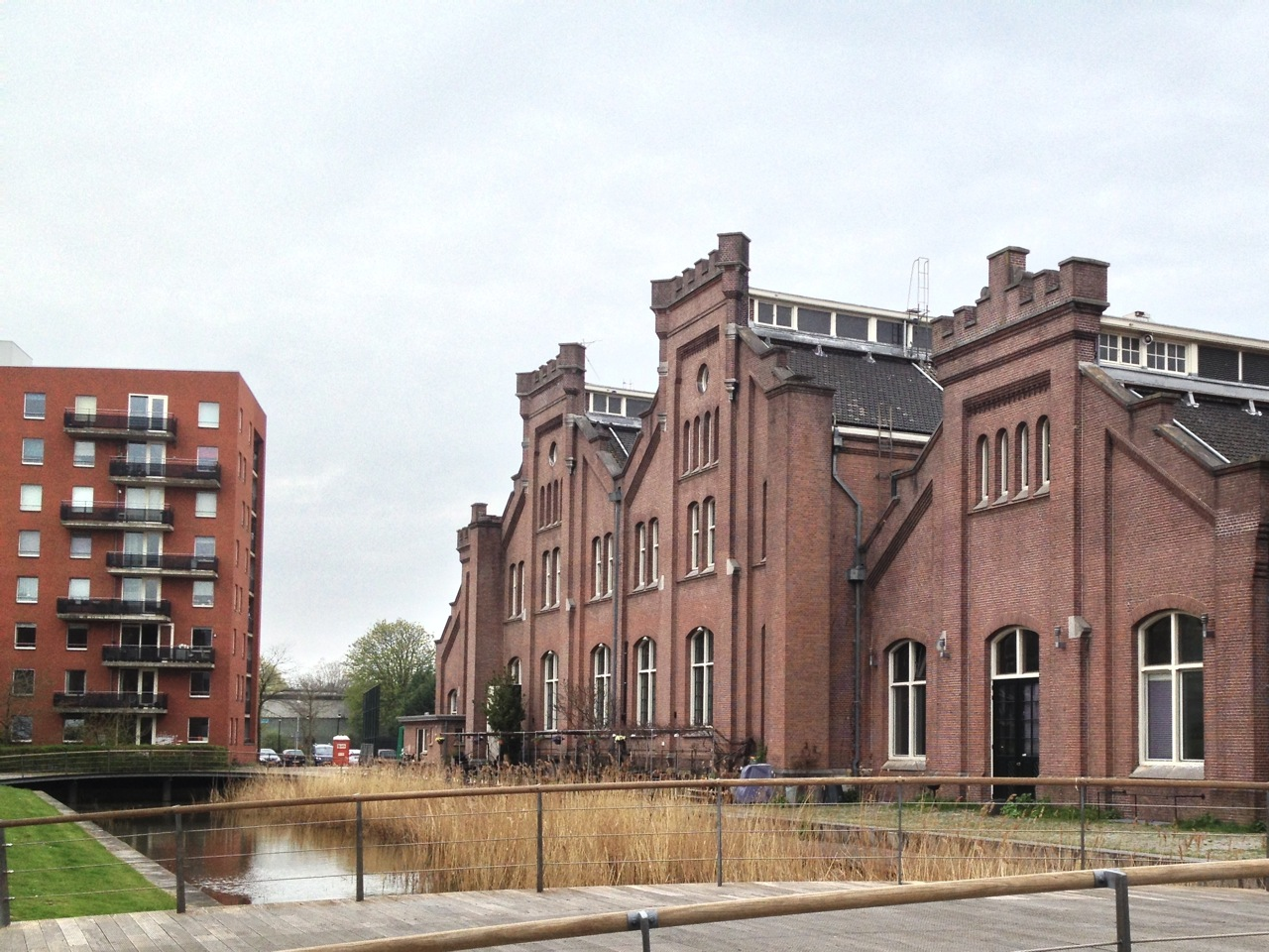 Café-Restaurant Amsterdam is located in the engine room of the old Pumping Station Haarlemmerweg