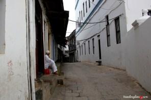 Wcześnie rano, ulice jeszcze puste…