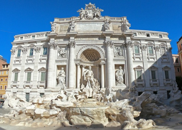 Trevi Fountain @travelingintandem