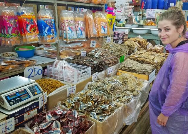 Tha Tian Market Bangkok @travelingintandem