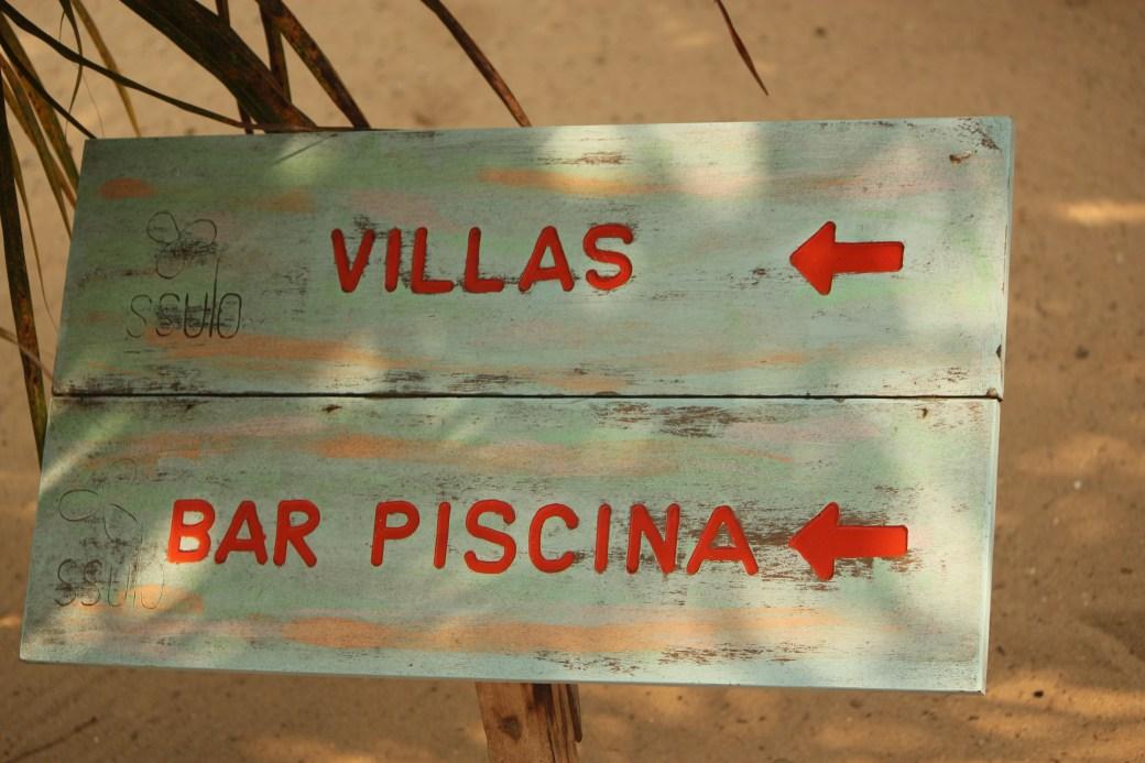 Villas Sign; Luanda, Angola; 2013