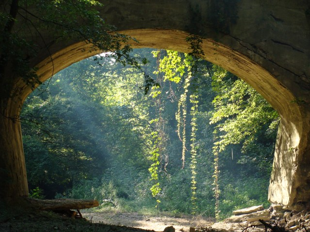Crumbling Bridge Heritage Trail
