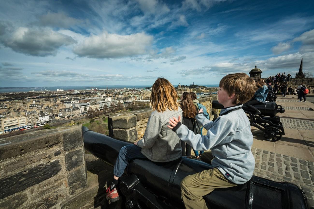 The Edinburgh Castle is a fun activity for kids in Edinburgh