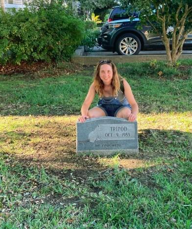 Tripod the Cat's Grave near Natchez Trace Parkway