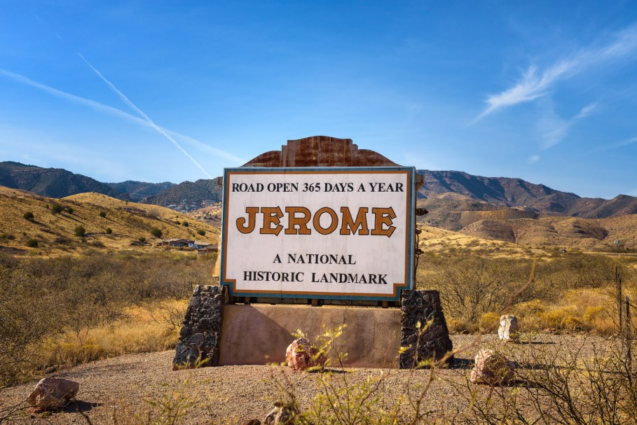 Welcome sign on the way in to Jerome, one of the best small towns in Arizona.