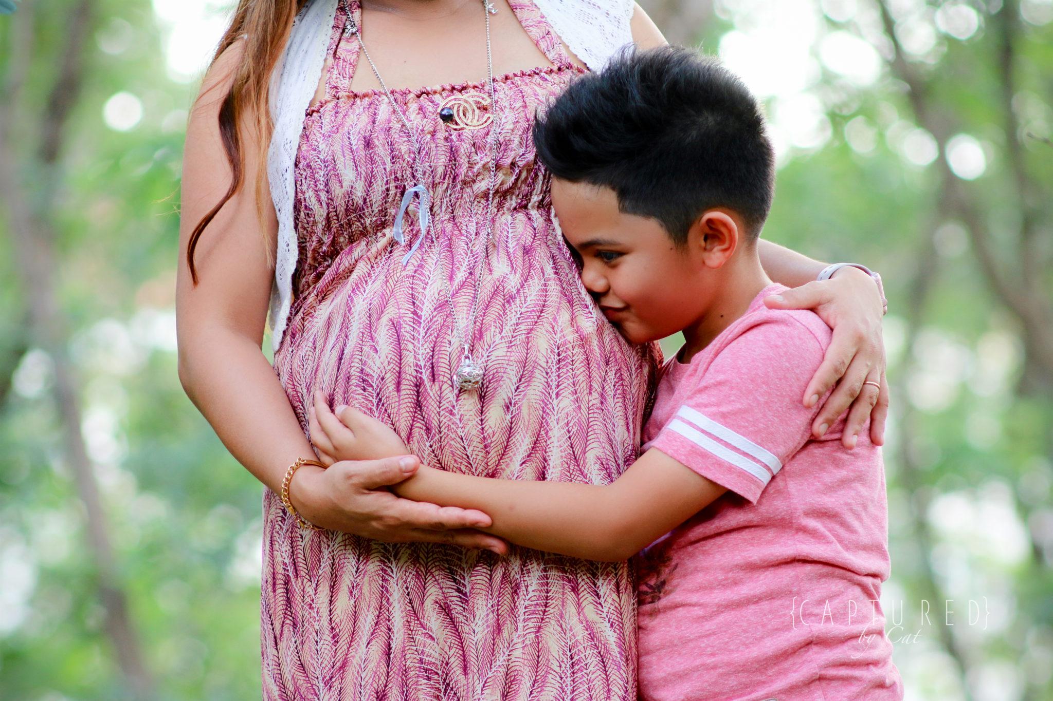 Lyn's Beautiful Bump │ Family Maternity Shoot