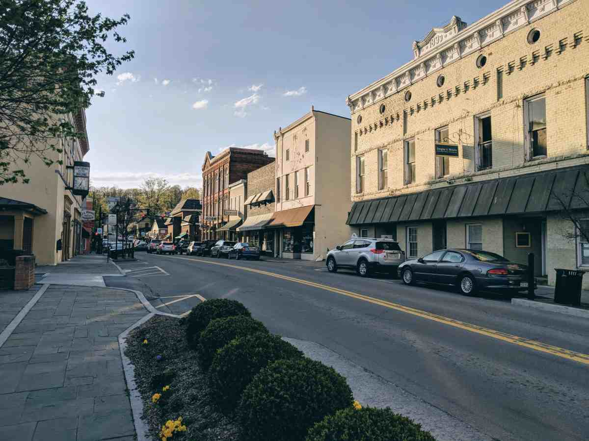 Travel Guide: Lewisburg