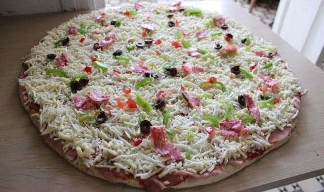 Snack Charbel Giant Pizza Hasroun