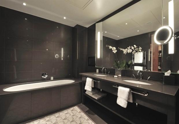 Le Gray Bathroom Sute