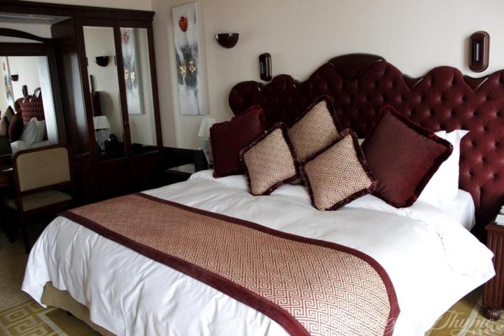Grand Hills Hotel Suite Luxury Bedroom
