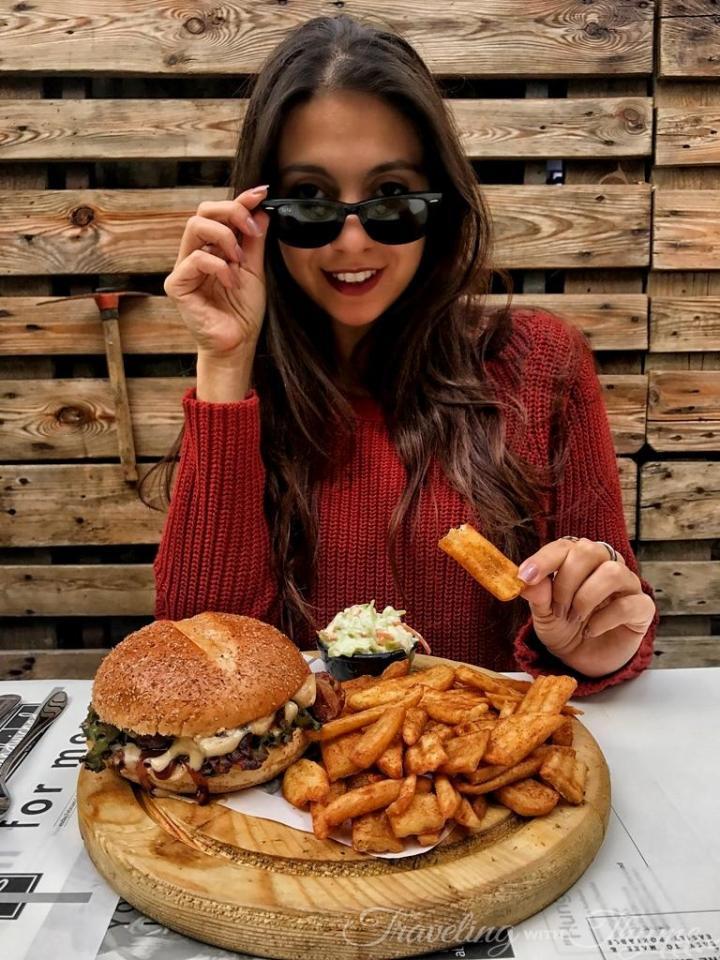 Sandwiched Diner Burger Lebanon Blogger Lebanese