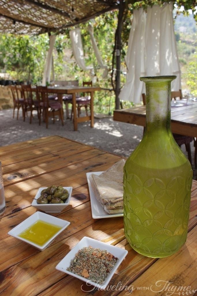 Coara Restaurant Shouf Zaatar Zeit Zaytoun