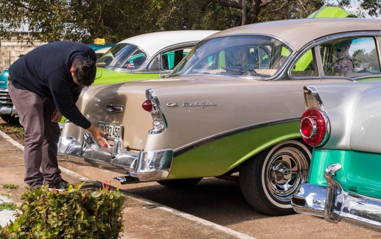 Cuba-Cars-8051