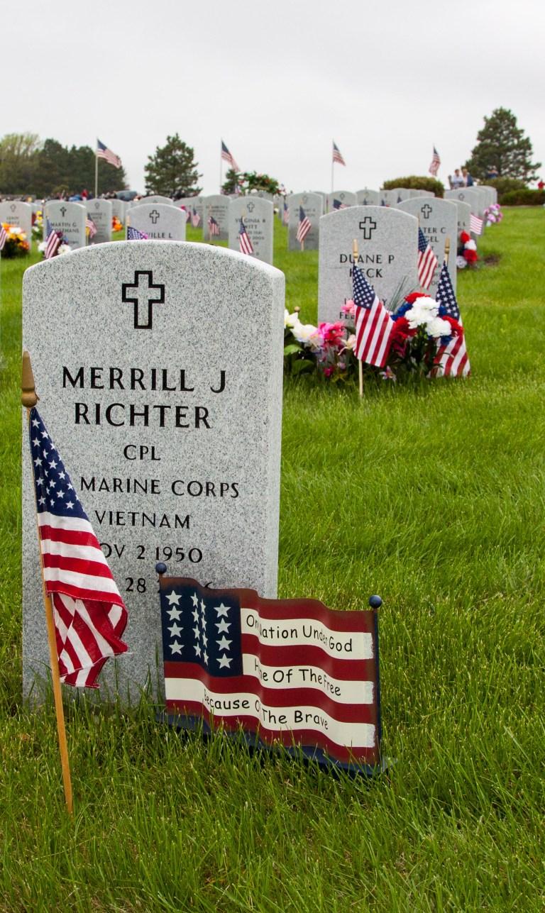 vets-cemetery-2732