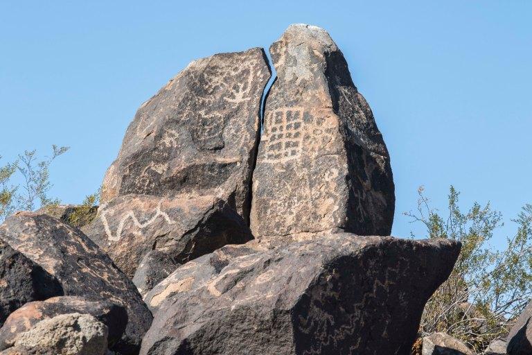 Painted Rock Petroglyph-2816