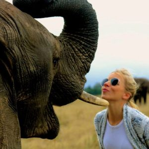 Kissing with an Elephant (cute photos!)