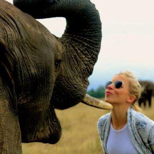 Kissing with an Elephant (cute photos!)