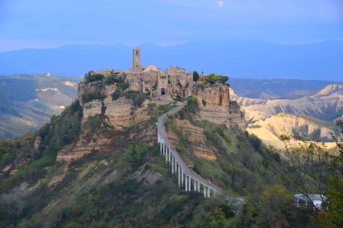 Italy Travel Guide: Civita Di Bagnoregio