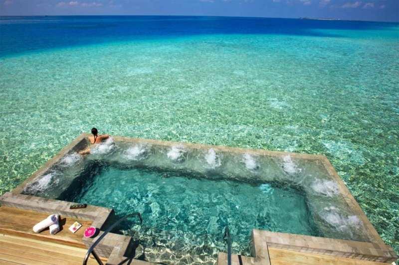 20 Awesome Pools - Velassaru Resort