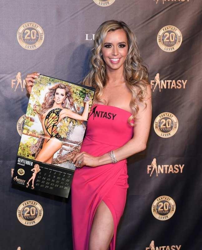 Mariah with Calendar