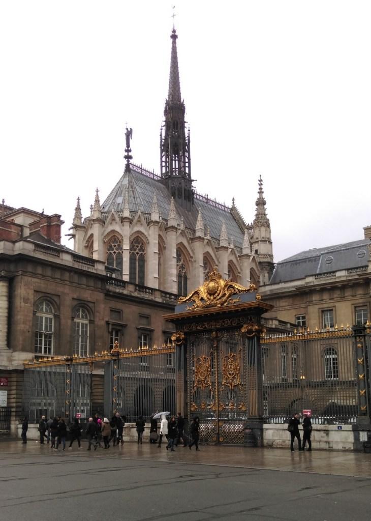 Sainte-Chapelle, Paris; from a travel blog by www.traveljunkiegirl.com