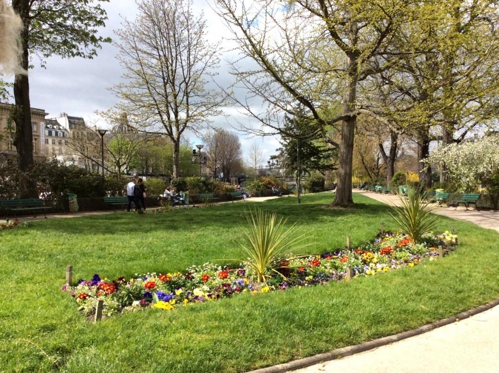 The Vert-Galant gardens, Île de la Cité, Paris; from a travel blog by www.traveljunkiegirl.com
