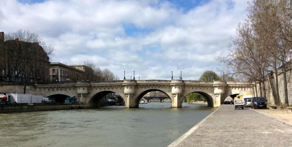 Pont-Neuf, Paris; from a travel blog by www.traveljunkiegirl.com