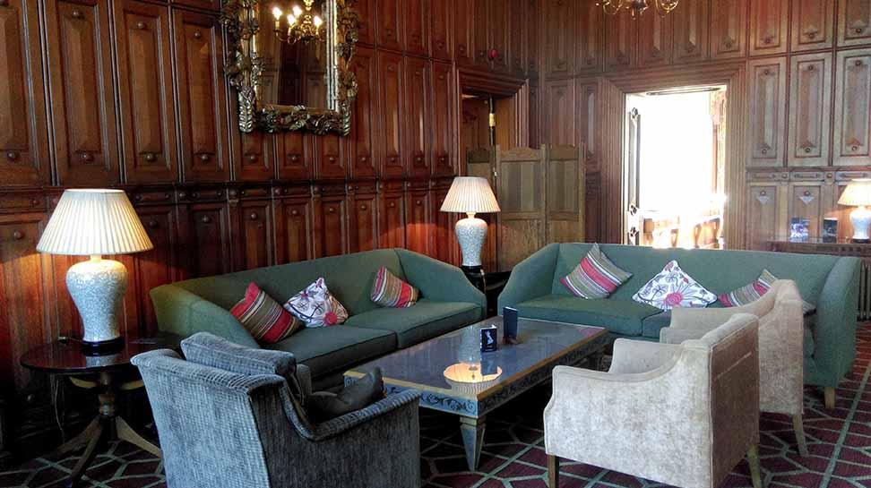 The Welcombe Hotel Lounge, Warwickshire; from a travel blog by www.traveljunkiegirl.com