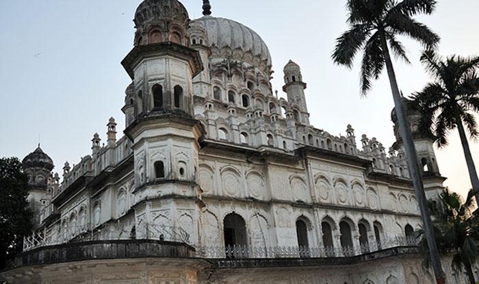 बहू बेगम का मकबरा (Bahu Begam ka Maqbara)