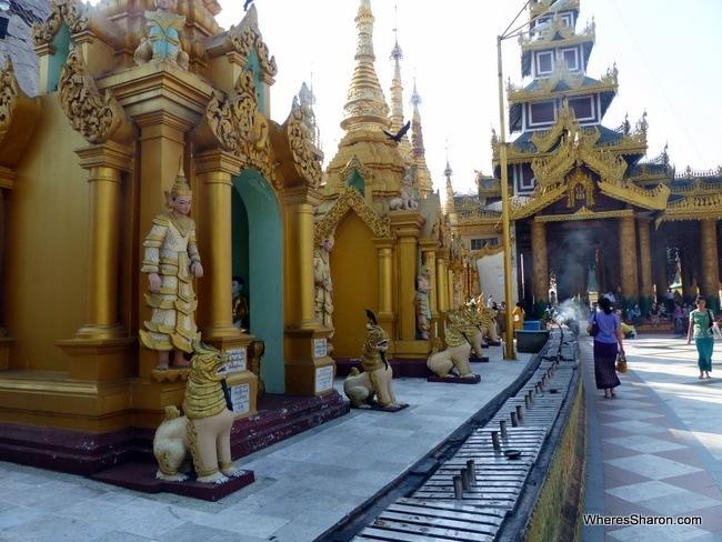 جولة على الاماكن الدينية والاستعمارية