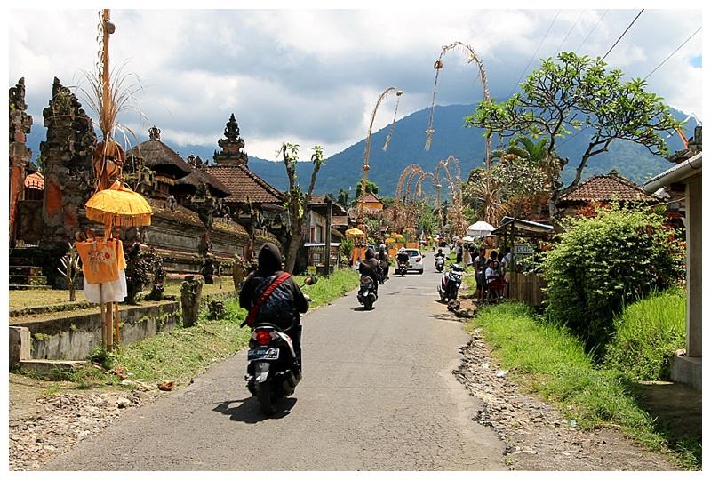 ركوب السكوتر او الدباب في بالي