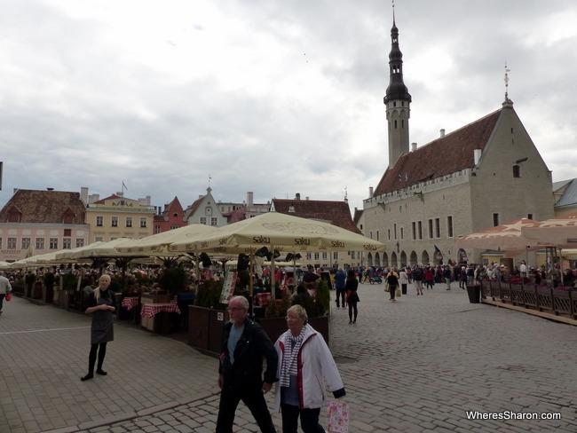 دليل السفر إلى تالين في إستونيا للعوائل