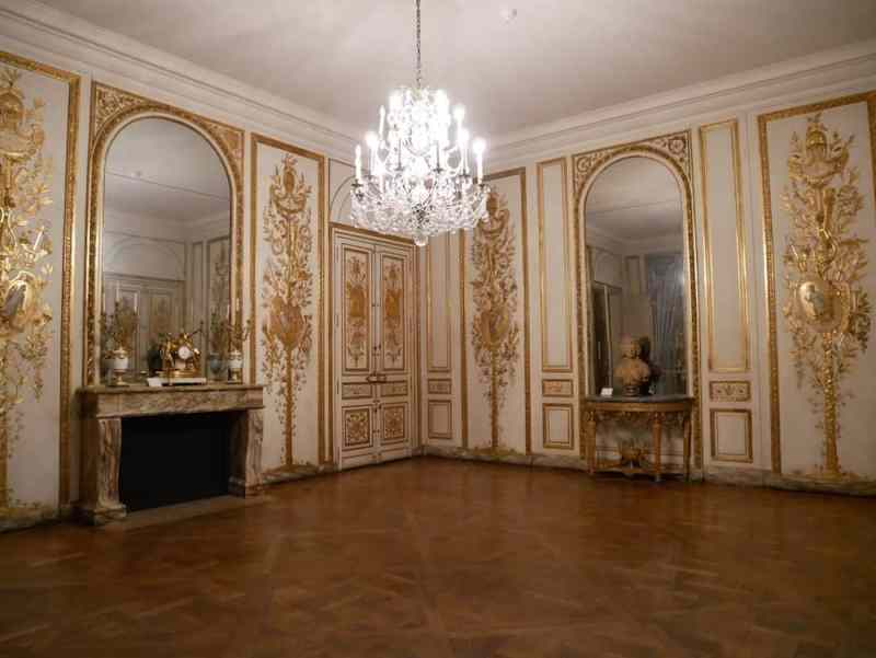 متحف كارنافاليت في باريس