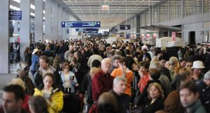 Chicago O'Hare_Crowded AA Terminal (AP Photo-Paul Beaty)