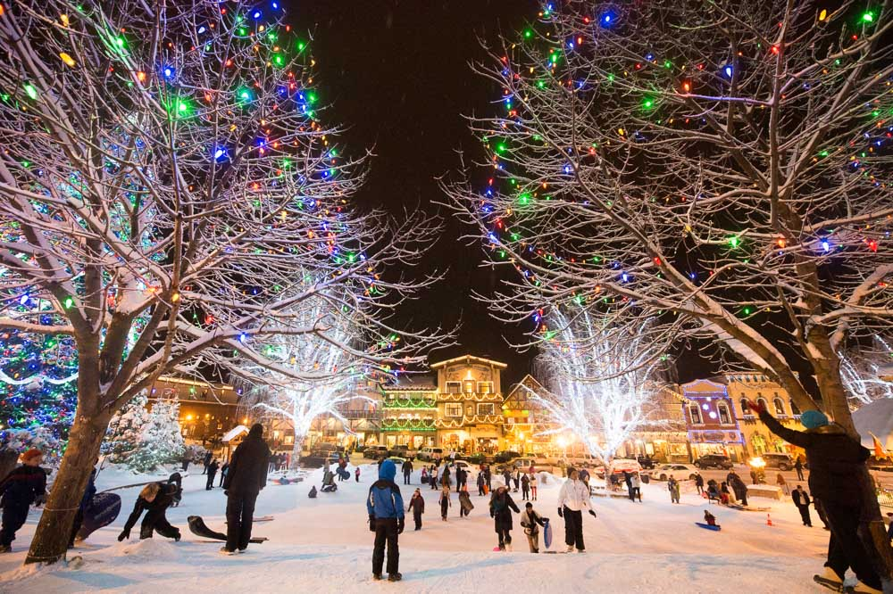 An American Christkindl Market: Leavenworth Christmas Lighting via @TravelLatte.net