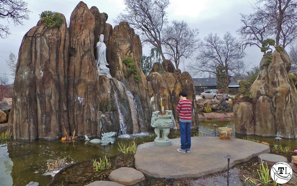Tet in Texas: Prayers at Chua Huong Dao Temple via @TravelLatte.net