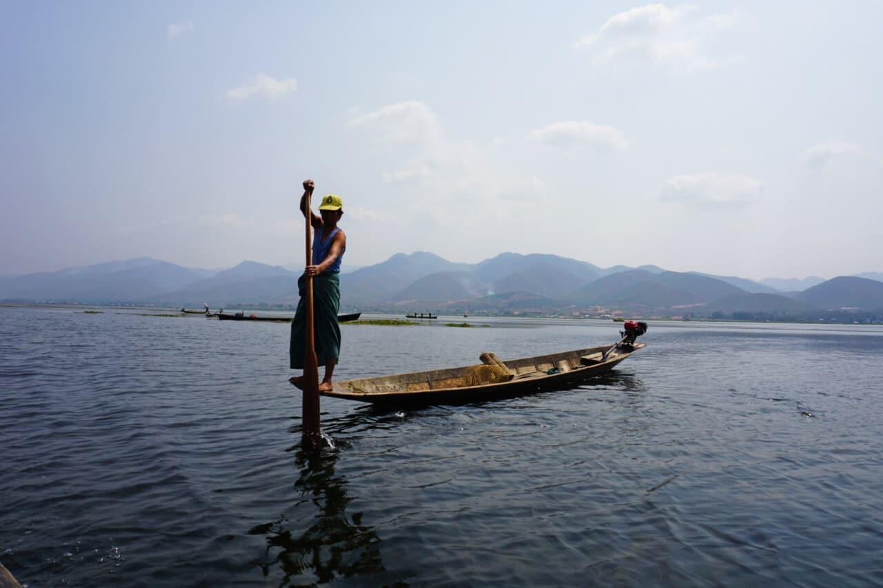 Myanmar photos fisherman rowing Lake Inle Burma