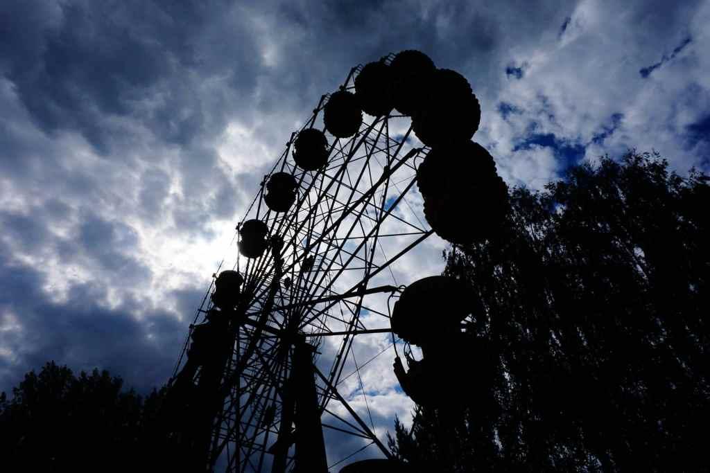 Chernobyl pictures: ferris wheel