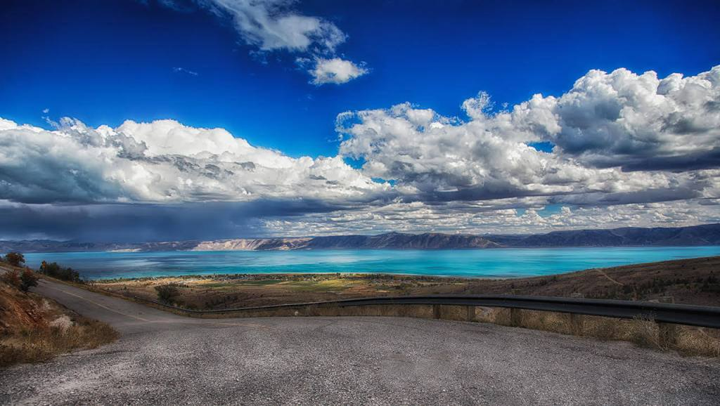 Best Destinations in North America : Bear lake
