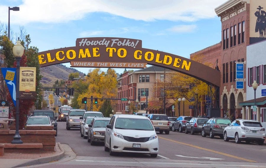 View of the welcoming entrance in Golden