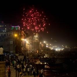 Dev-diwali-varanasi-traveller-priyo