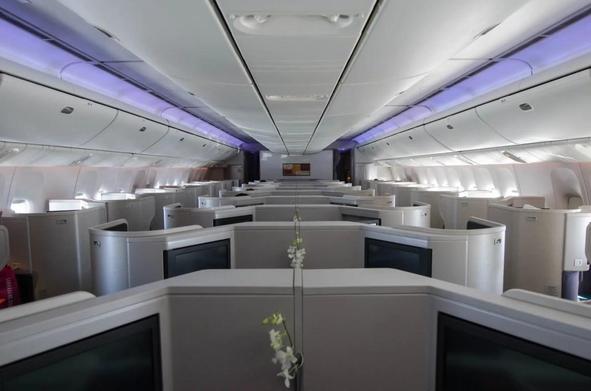 De cabine in de Cathay Pacific Business Class is licht en ruim.