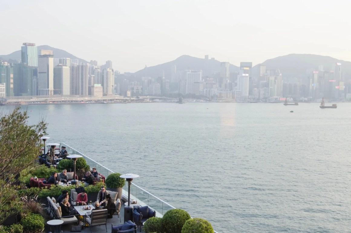 Kerry Hotel Hong Kong bar met terras