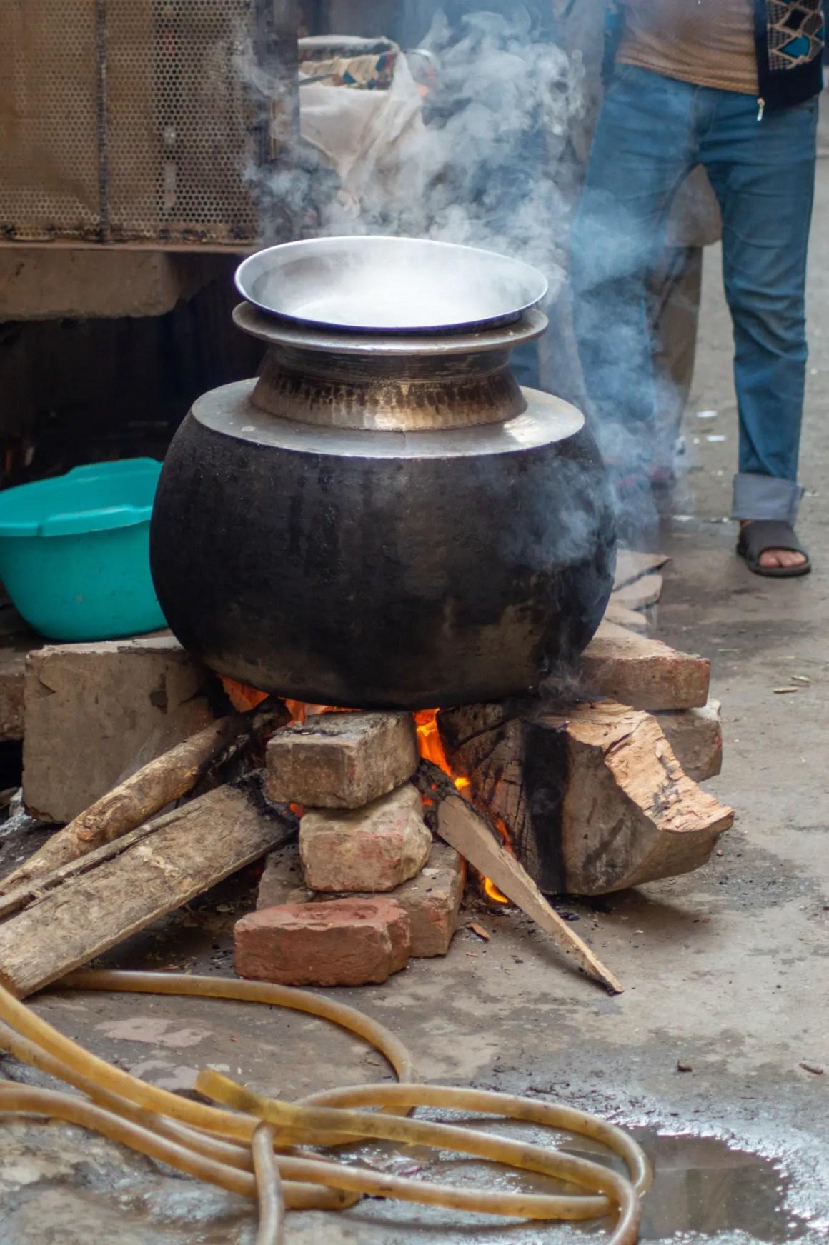 Pakistaans eten sist in de potten